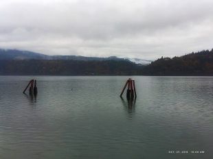 A dreary day on the Columbia River.